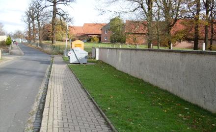 Der  Verwaltungsausschuss der Gemeinde Schellerten hat beschlossen, den Bebauungsplan Nr. 04-10 aufzustellen. Betroffen sind Grundstücksflächen unmittelbar südlich der Breiten Straße, zwischen Feuerwehr und St.Stephanus Kirche in Dinklar. Foto (c) Gemeinde Schellerten