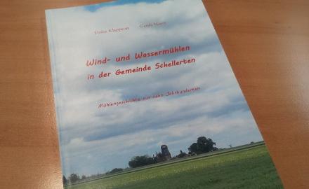 Die Gemeindeheimatpflege hat die Mühlengeschichte der Ortschaften der Gemeinde Schellerten aufgearbeitet. Das Buch ist zum Preis von 12.00€ im Rathaus der Gemeinde Schellerten erhältlich.
