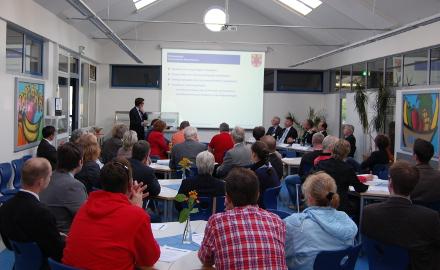 Fit für die Zukunft! Die Veranstaltung am 24.04.2014 für Unternehmer in der Gemeinde Schellerten traf auf einen großen, interessierten Teilnehmerkreis Foto (c) HiReg