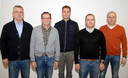 Der neue Ortsrat Garmissen-Garbolzum: Ortsbürgermeister Karl-Heinz Stein, sein Stellvertreter Sebastian Riepl-Bauer, Jörn Sander, Jens Nolte und Jan Kaune (von links). Foto: Wiechens