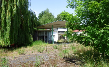 Alte Tankstelle in Garbolzum (Foto: Annelie Leinemann)