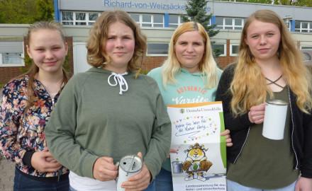 Sammelerinnen der DUH (Foto: Christian Möllring, Richard-von-Weizsäcker-Schule)
