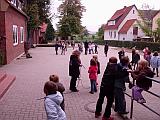 Auf dem Schulhof der Grundschule Ottbergen