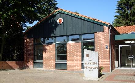 Dorfgemeinschaftshaus und Feuerwehrunterrichtsraum Dingelbe - Südseite (Foto: Gemeinde Schellerten)