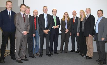 Die Menschen hinter der Netzgesellschaft Energieversorgung Hildesheimer Land (E-Hi-Land) stellen sich den Räten der beteiligten Städte und Gemeinden vor (Foto: E.On-Avacon)