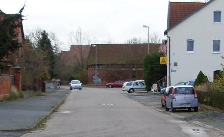 Die GemeindeSchellerten hat ein Sanierungskonzept für die Regenwasserkanalisation in der Dorfstraße vorgestellt Foto (c) Gemeinde Schellerten