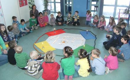 DRK-Kindertagesstätte Die Rübenwichtel in Schellerten feiern 150 Jahre Deutsches Rotes Kreuz
